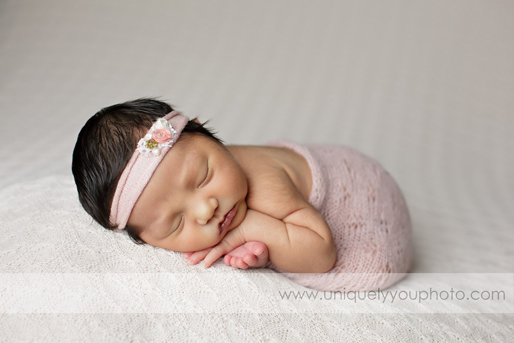 wrapped-newborn-photography-session-nebraska