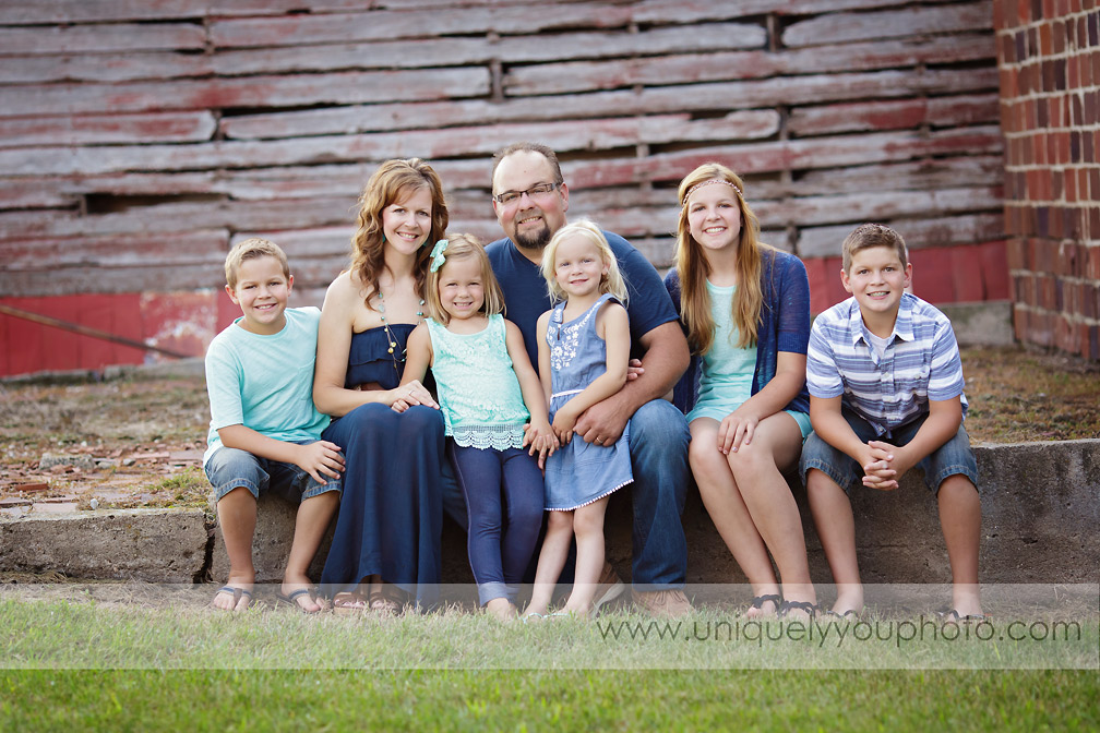 Lincoln Nebraska Photographer - www.uniquelyyouphoto.com